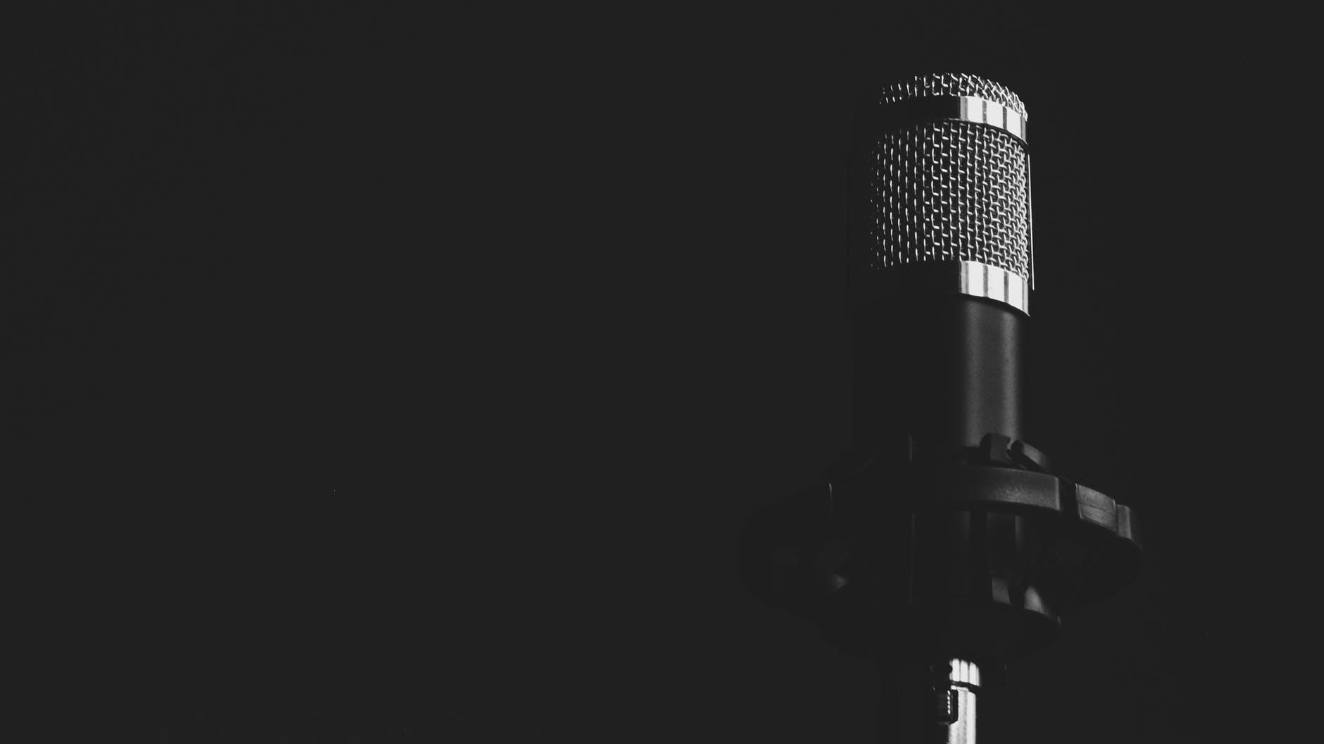 Hvordan introducerer man en foredragsholder?